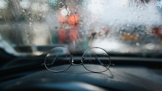 Besip upozorňuje, že polovina řidičů špatně vidí. Každý si v říjnu může nechat zdarma změřit zrak