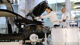 Volkswagen e-Golf montáž