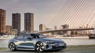 Nové Audi e-tron GT využívá techniku Porsche Taycan. Ujede skoro 500 km a letí až 250 za hodinu