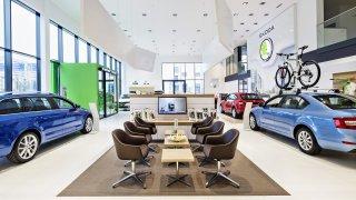 Den 0: Prodejci nových aut do znovuotevřených prodejen lákají zákazníky. Zmapovali jsme slevy