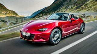 Vybrali jsme pro vás pět kabrioletů s dobrým poměrem cena x výkon. Na vrcholu je Mazda MX5