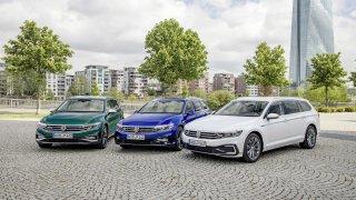 Modernizovaný VW Passat zná svou českou cenu. Je Superb stále levnější?