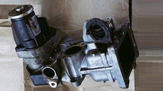 saze v motoru