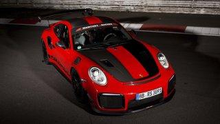Porsche 911 GT2 RS MR - rekord na Nürburgringu