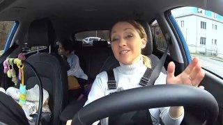 Momentky z natáčení Autosalonu: Hyundai Kona Hybrid vozil dětské herečky i matku Terezu