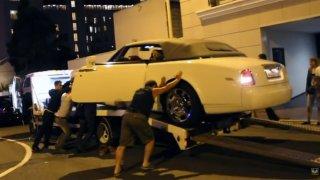Rolls-Royce je na obyčejnou odtahovku velké sousto