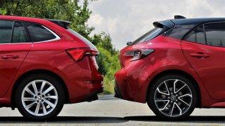 Škoda Scala vs. Toyota Corolla. Každá je lepší v něčem jiném, měly by si vyměnit podvozek