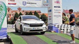 Poprvé účastníky ECO energy Rally Bohemia: Chvílemi jsme jeli se Škodou Enyaq iV i přes 1000 km/h!