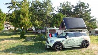 Aktuálně se MINI pohybuje po bulharských kempech