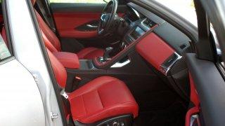 Jaguar E-Pace interier 3