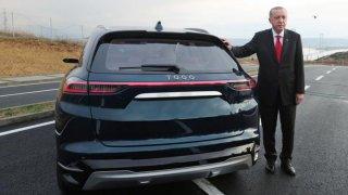 Turecký prezident Erdogan chce vyrábět elektromobily. Doma jich ale moc neprodá