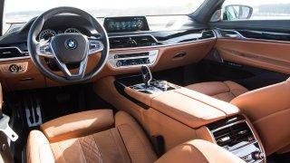 Prohlédněte si vnitřek luxusní limuzíny BMW za 4 miliony