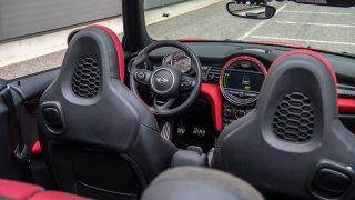 MINI JCW Cabrio - interiér 2