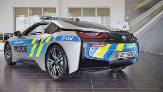 Policie bude i nadále jezdit s BMW i8 Coupé