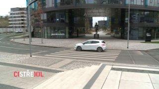 Auto na dálkové ovládání, kompakt Renault Clio hybrid i limitky od Mazdy. Takový bude nový Autosalon