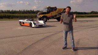 Závod mezi sportovním vozem Ultima CAN-AM a soutěžním truckem Iveco Powerstar