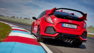 Civic Type-R předvádí působivé zrychlení a řízný zvuk