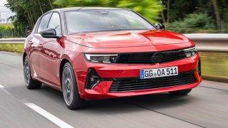 Odvěký rival Golfu je tu: Nový Opel Astra bude umět jezdit na benzin, naftu i elektřinu