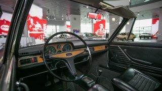 U Audi 100/C1 hrál prim čtyřstupňový manuál, autom