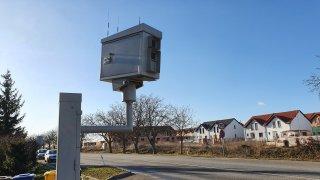 Radar v malé obci u Brna už nebude takovou pastí na řidiče. Zmizí značka, která sváděla ke zrychlení
