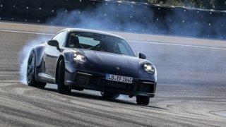 Extrémní podmínky testů pro novou generaci Porsche 911