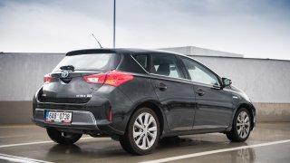 Toyota Auris Hybrid 2