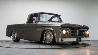 Osmiválcový pickup ze 60. let prošel fantastickou přestavbou