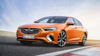 "Opel Insignia má titul ""All-Wheel Drive Car Of The Year 2019"""