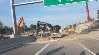 TSK Praha má podle ministerstva za zpackanou demolici mostu na D11 platit pokutu