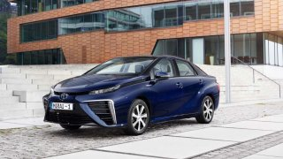 Budoucnost patří autům na vodík. Podle průzkumu KPMG si to myslí ředitelé firem.