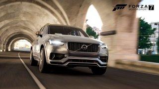 Volvo XC90 hraje ve Forza Motorsport
