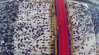 Obří zácpa na čínské dálnici