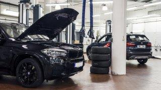 Autorizovaný servis pro ojetá BMW a Mini zlevnil. Opravu lze kvůli koronaviru sledovat online