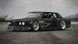 Rusty Slammington je parádně upravené BMW z 80. let
