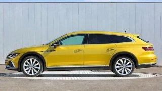 Nový Volkswagen Arteon se objeví i jako shooting brake a verze R. Unikly reálné fotky