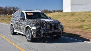 Výrobní závod BMW v americkém Spartanburgu připravuje sériovou výrobu BMW X7. Z linky již sjíždějí první předprodukční kusy.