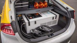 Hyundai IONIQ Mobile Charger 3