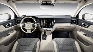 Volvo V60 interiér