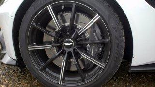 Aston Martin Vantage – Interiér 3
