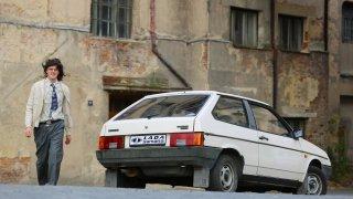 Víte, jaká nová auta byla u nás k dostání na sklonku roku 1989? Škoda Favorit přišla na 26 platů