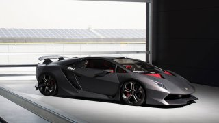 Idol v nestydaté karoserii Lamborghini Sesto Eleme