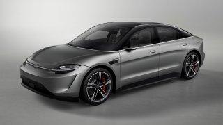Porsche Taycan po japonsku. Sony představilo stylový, technologiemi nabitý elektromobil Vision-S