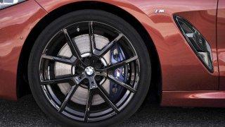 BMW M850i XD_pneu