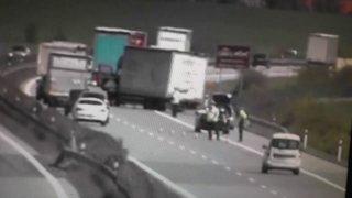 Na tenhle zásah na dálnici policisté jen tak nezapomenou. Nepozorný řidič je vyděsil k smrti