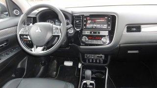 Mitsubishi Outlander interier 2