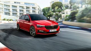 Škoda Scala Monte Carlo má dynamičtější design. Vyšší výkon ale nehledejte