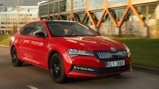 Test Škody Superb iV: Plug-in hybrid za cenu dieselu se vyplatí lidem z měst, kteří mají kde nabíjet