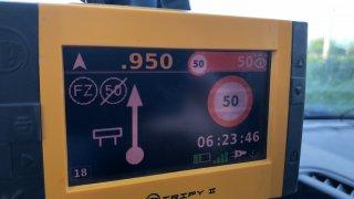 Navigační GPS krabička hlídající rychlost 1