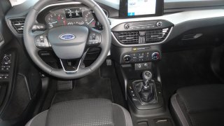 Ford Focus interier  1