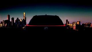 Lexus postavil crossover UX